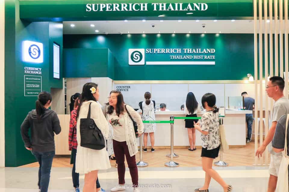 donde cambiar dinero en tailandia