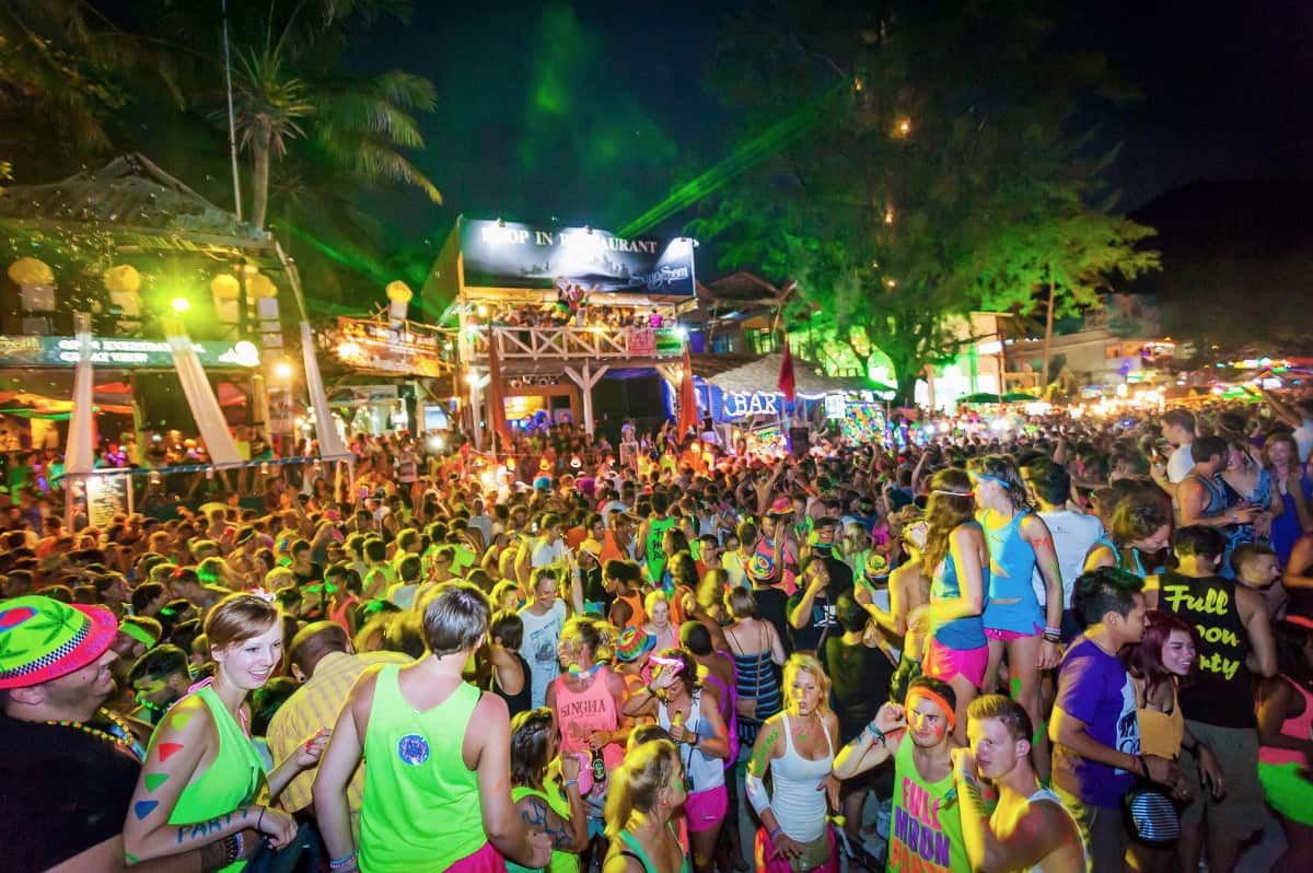 cuando es full moon party en koh phangan tailandia