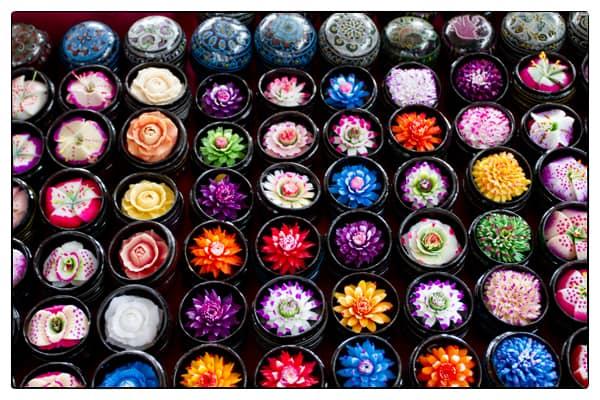 jabon con forma de flor esculpida en tailandia bangkok