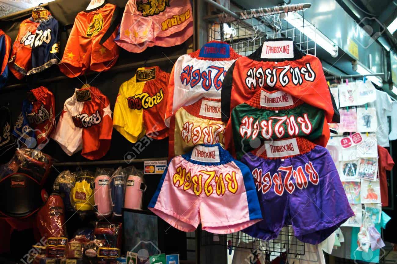 que comprar souvenir luchador pantalones muay thai